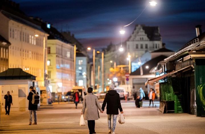 قتلى بهجمات في فيينا والشرطة تتحدث عن هوية المنفذ (شاهد)