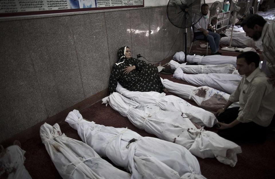 """الإخوان: نتعهد باستمرار العمل لفتح تحقيق عادل في """"رابعة"""""""
