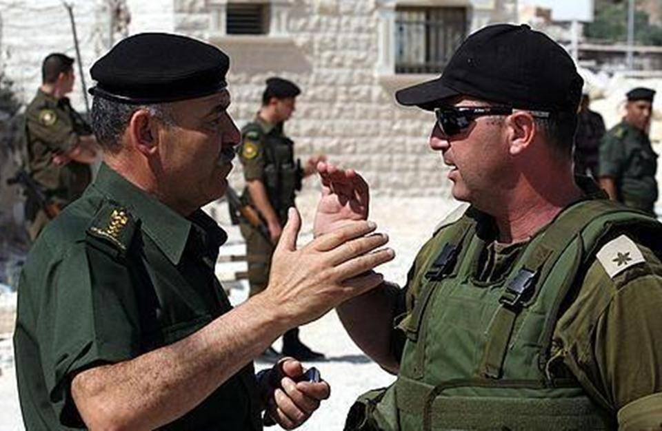 خبراء إسرائيليون: التنسيق الأمني مع السلطة مستمر رغم القطيعة