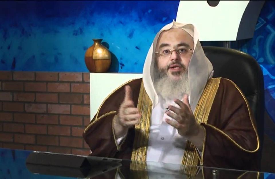 السلطات السعودية تعتقل الشيخ المنجد ودعاة آخرين (أسماء)