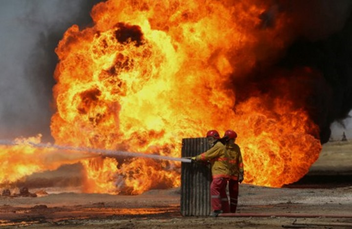 حريق في مصفاة الرويس النفطية قرب أبو ظبي