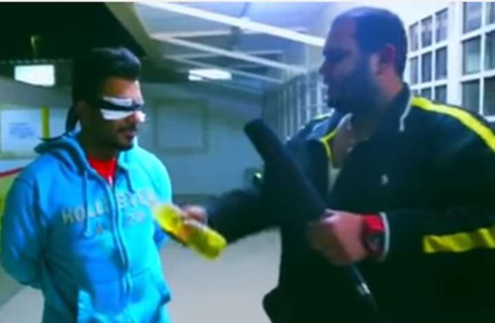مذيع كويتي مغمور يشعل النار بشاب وأنباء عن اعتقاله (فيديو)
