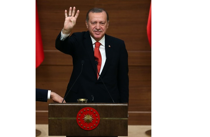 أردوغان.. شخصية العام 2016 في استفتاء الجزيرة