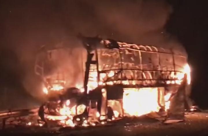 احتراق حافلة بالكامل في المغرب يخلف مقتل 11 شخصا (فيديو)