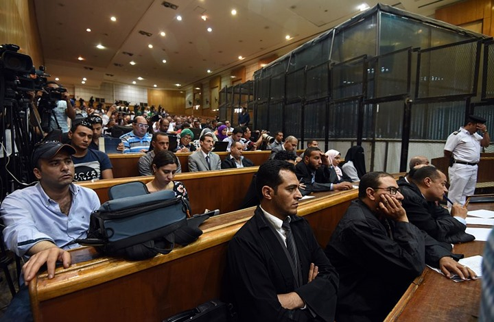 ماذا وراء إطلاق سراح صحفيين ونشطاء سياسيين في مصر؟