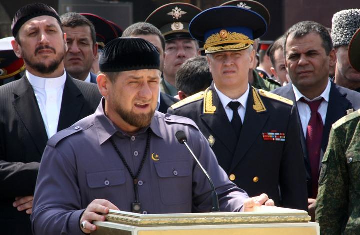رئيس الشيشان يحذر ماكرون: توقف قبل فوات الأوان