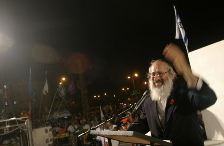 حاخام إسرائيلي: نحن متفوقون على العرب ويجب أن يبقوا عبيدا