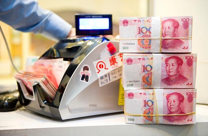 اليوان يرتفع أمام الدولار بعد قرار صيني غير متوقع