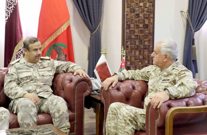 قائد الجيش الأردني يستقبل وفدا عسكريا قطريا رفيع المستوى