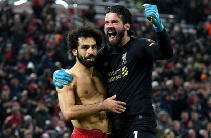 صلاح يدخل حارس ليفربول تاريخ النادي من أوسع أبوابه (شاهد)