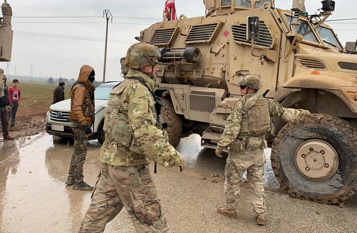 دورية أمريكية تعترض قافلة روسية بالقامشلي السورية (شاهد)
