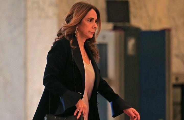 """وزيرة لبنانية تحذر دولا عربية من """"الانهيار الشامل"""" لبلادها"""