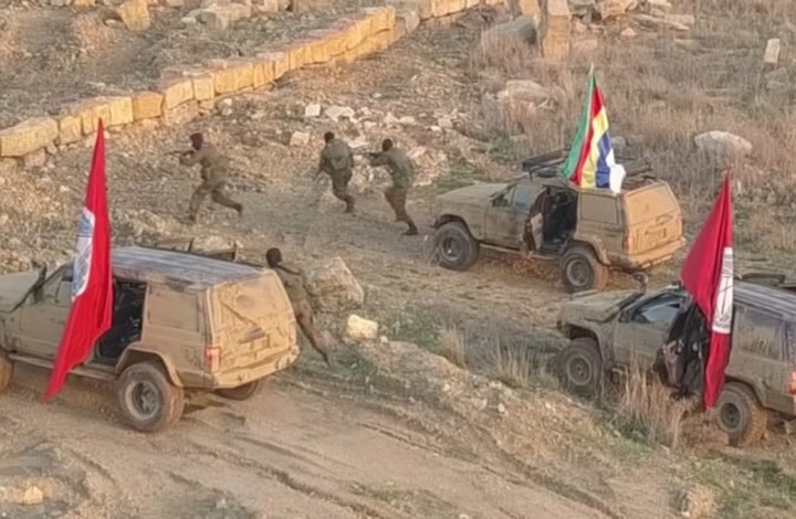 """""""مناورات عسكرية"""" لمسلحي حزب جنبلاط في لبنان (شاهد)"""