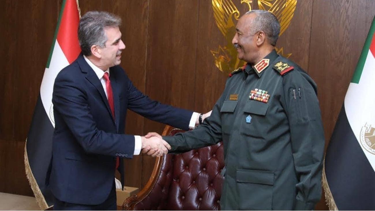 الاحتلال يوقع اتفاقية استخبارية مع السودان.. والتطبيع قريبا