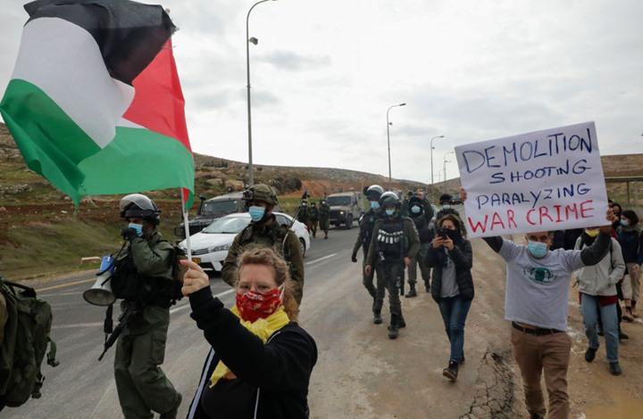 استطلاع إسرائيلي: قضايا السلام والأمن يجب أن يحسمها اليهود