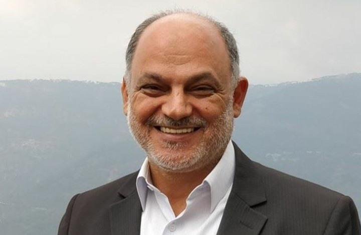 كاتب لبناني ينشر توضيحا بعد ردود من أنصار حزب الله (شاهد)