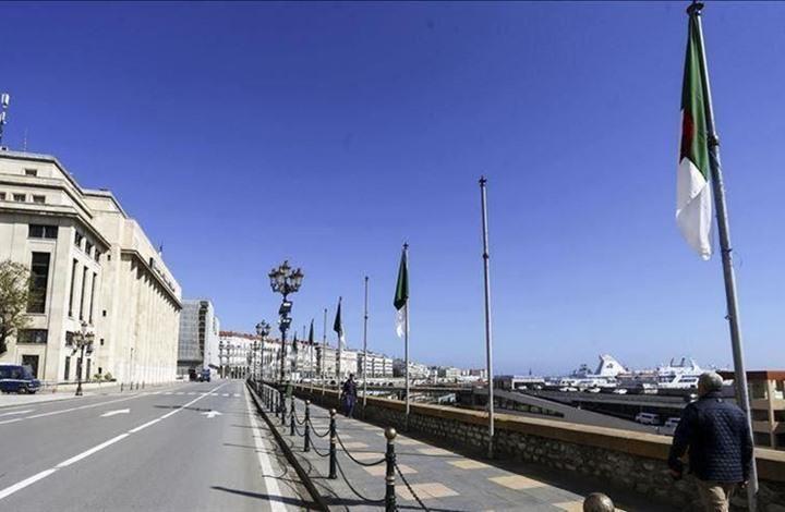 الجزائر.. حملة على منصات التواصل الاجتماعي لتفعيل الحراك