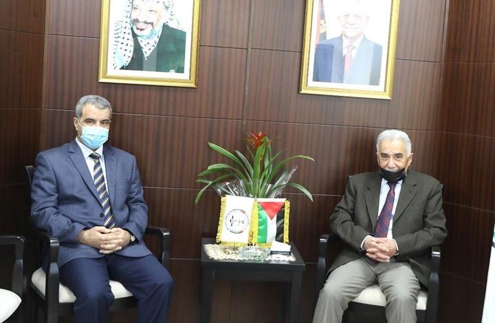 جدل ومطالبة بتنحي رئيس مجلس القضاء الفلسطيني الجديد (شاهد)