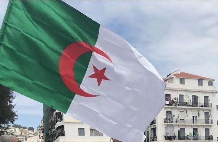 """توقيف معارض جزائري بارز بتهمة """"الإهانة والشتم"""""""