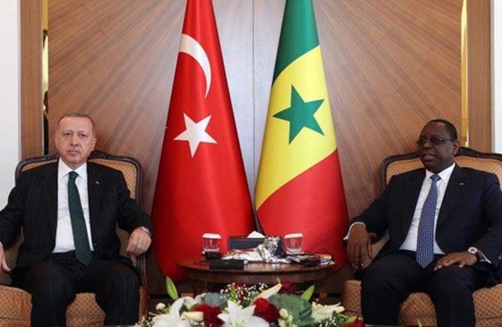 هل أصبحت السنغال منطقة تنافس جديدة بين الإمارات وتركيا؟