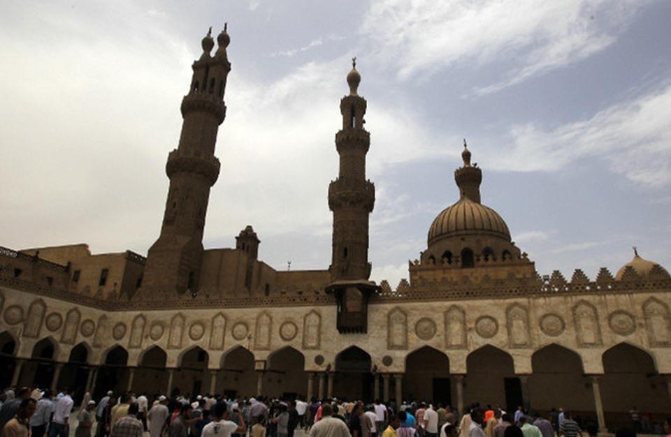 قصر الفتوى الدينية بمصر على علماء الأوقاف والأزهر