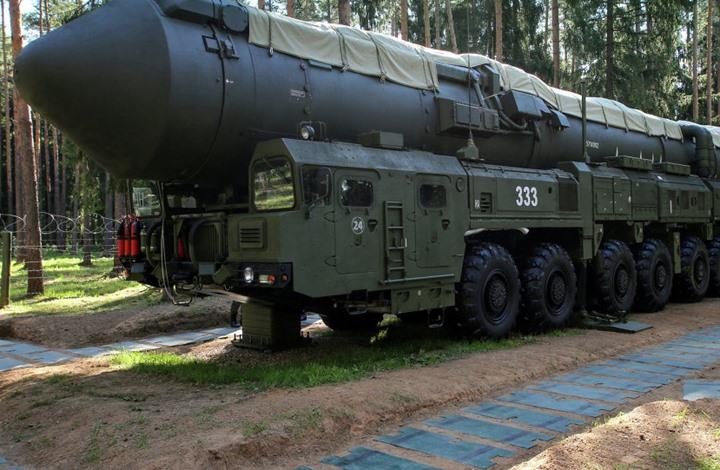 تحذير استخباري من سلاح نووي روسي يحلق حول الأرض لسنوات
