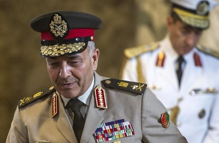 لماذا يكلف السيسي صهره رئيس الأركان بإدارة الملف الليبي؟