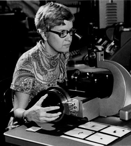 وفاة عالمة الفلك فيرا روبن التي أثبتت وجود المادة السوداء