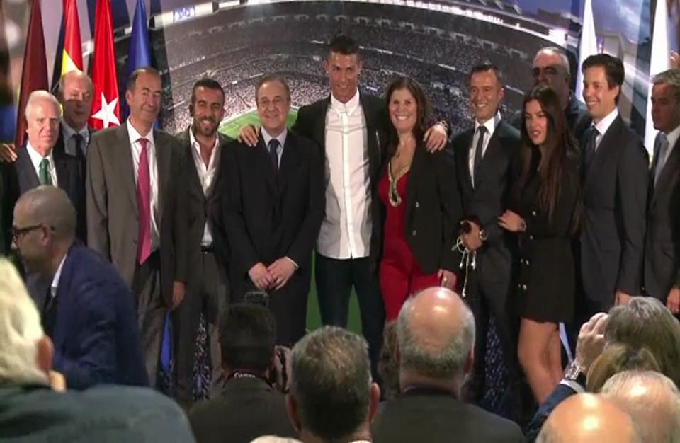 رونالدو وميسي وغريزمان المرشحون لجائزة أفضل لاعب في العالم