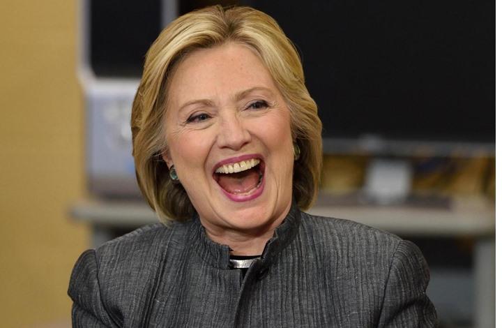 أسانج يطلق وصفا مثيرا على هيلاري كلينتون.. ما هو؟
