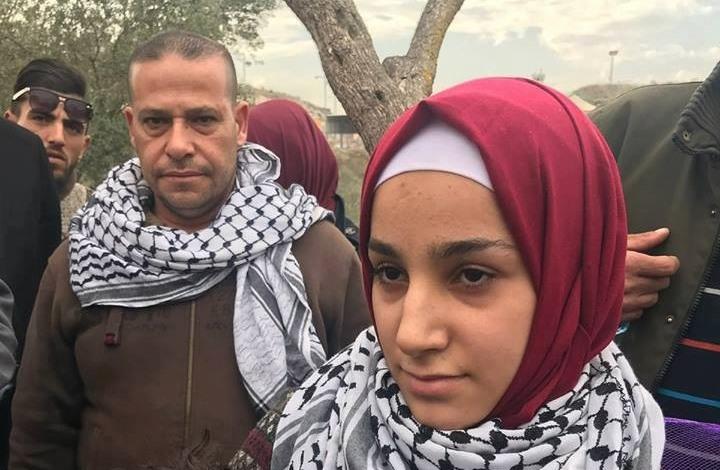 الاحتلال يفرج عن أصغر أسيرة فلسطينية (شاهد)