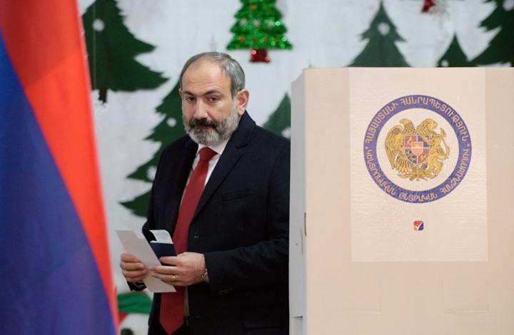 رئيس حكومة أرمينيا يقيل قائد الجيش ويتحدث عن محاولة انقلاب