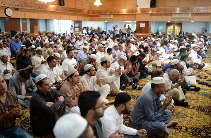 مسلمو بريطانيا غاضبون من فرض إغلاق بعيد الأضحى