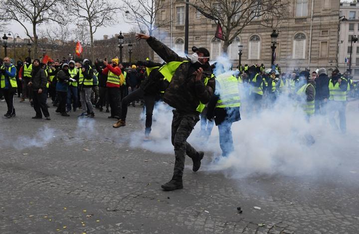 مواجهات بباريس بين الشرطة ومتظاهرين بيوم العمال (شاهد)