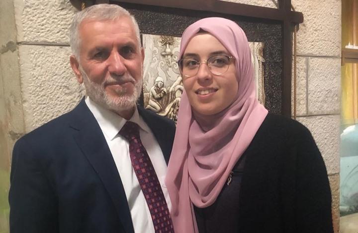 بعد الإفراج عن والدها.. الاحتلال يعتقل ناشطة فلسطينية