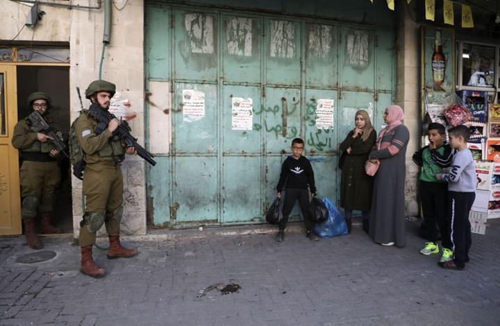 الاحتلال يشن اعتقالات بالضفة.. ويهدم منشآت بالقدس (شاهد)