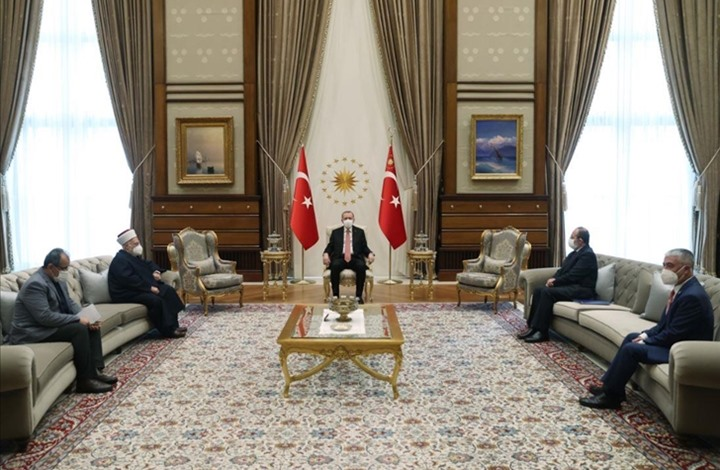 أردوغان يستقبل الشيخ عكرمة صبري ويشيد بصمود المقدسيين