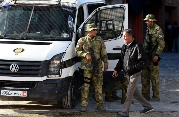 """مصادر لـ""""عربي21"""" تؤكد تطويق الجيش التونسي للبرلمان (شاهد)"""
