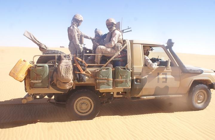 الجيش المغربي يدمر سيارة موريتانية قرب الحدود مع الصحراء