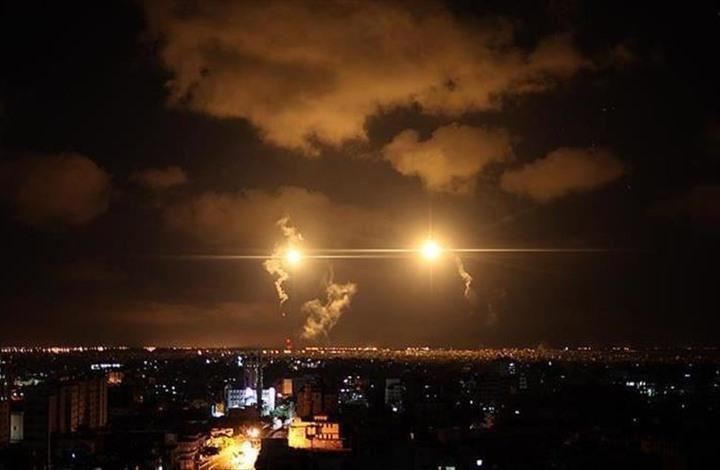 صواريخ غزة تنهمر على المستوطنات والاحتلال يقصف بالطيران