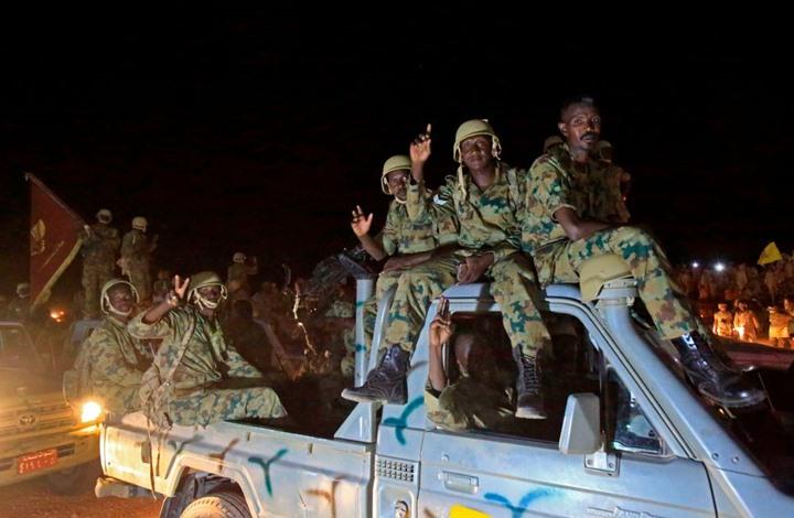 مقتل جنديين سودانيين إثر انفجار بمعسكر للجيش