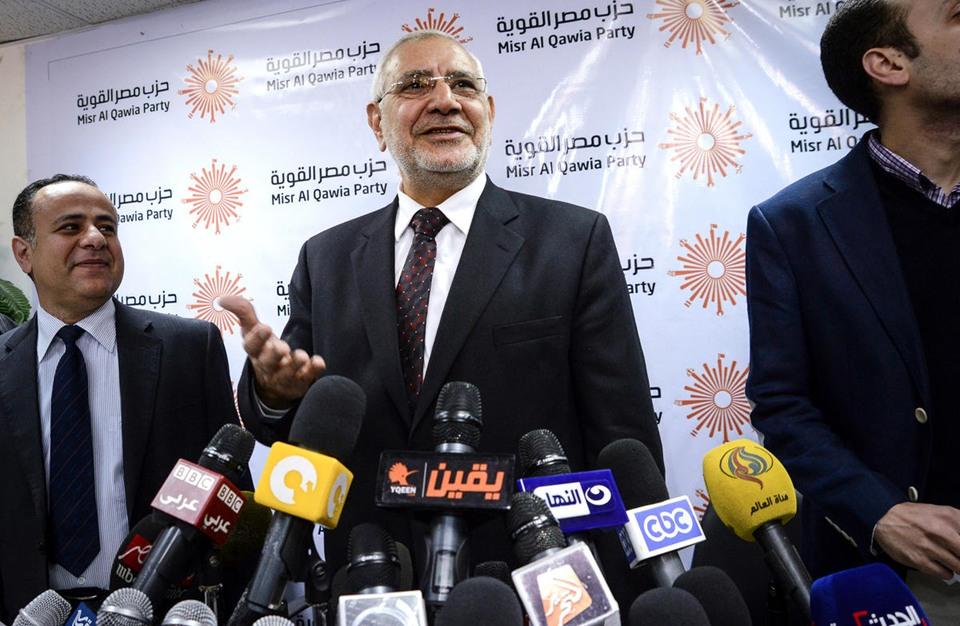 """مطالب بالقبض على """"أبو الفتوح"""" وحل حزب """"مصر القوية"""""""