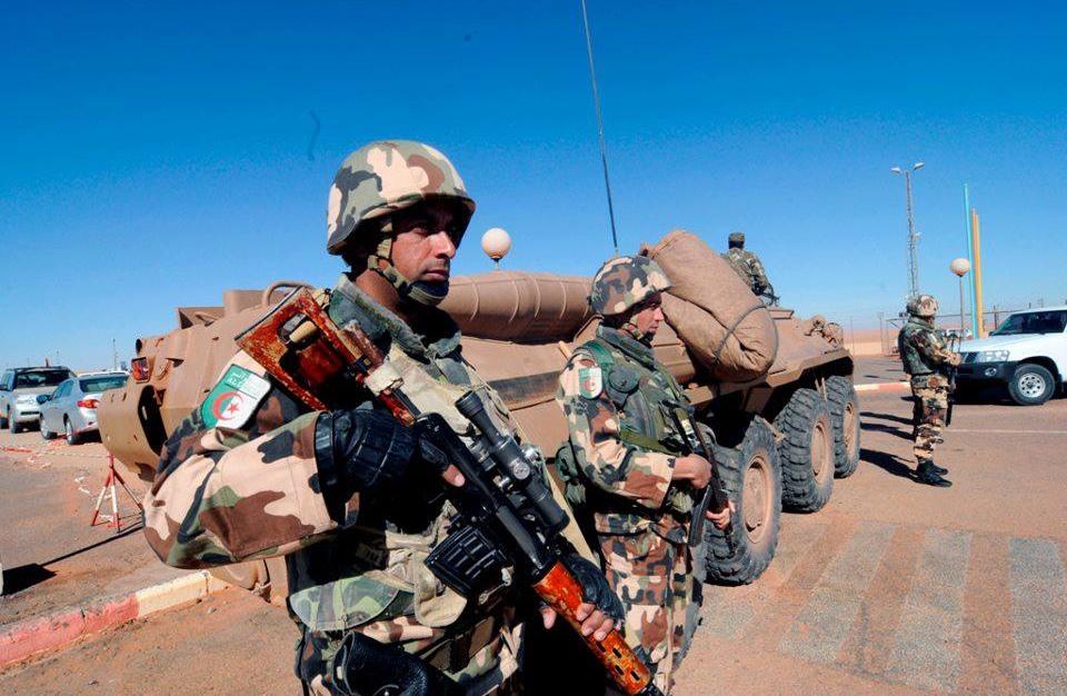 قتلى وجرحى في الجزائر بانفجار لغم على الحدود مع تونس