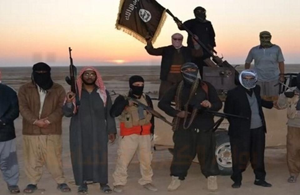 ما علاقة حفتر بانسحاب مقاتلي تنظيم الدولة من بنغازي؟