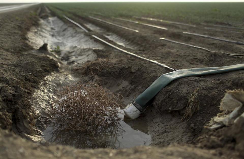 وفيات وحالات مرضية لأطفال بسبب تلوث المياه بإدلب السورية