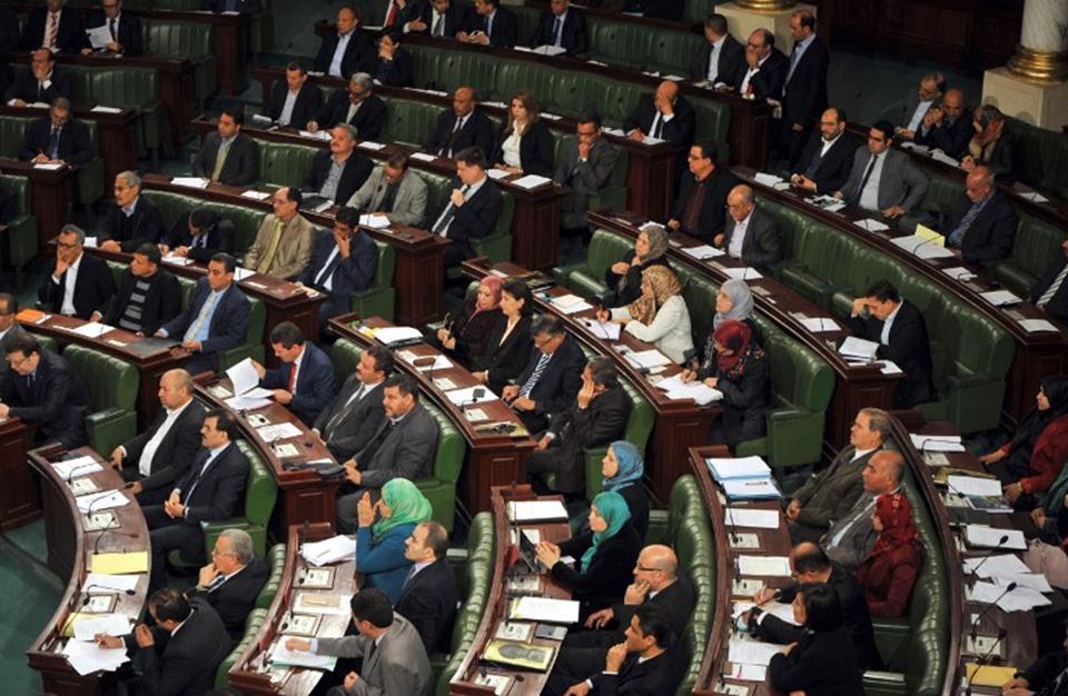استقالة 32 نائبا من كتلة نداء تونس في البرلمان