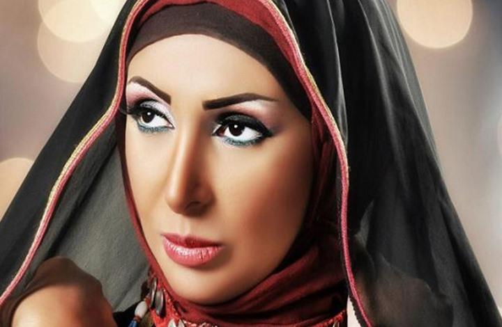 مطربة مصرية تخلع الحجاب وتعود بأغنية رومانسية