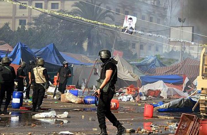 في ذكرى رابعة والنهضة.. لماذا هاجم النشطاء المعارضة والنظام؟