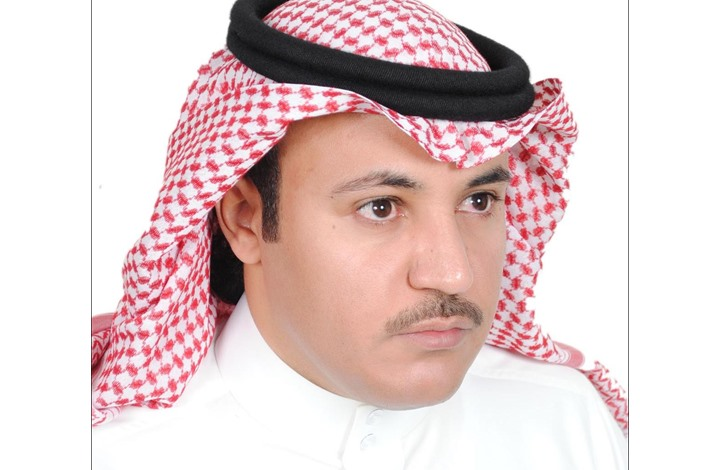 كاتب سعودي يهاجم مسؤولا في الديوان الملكي ويتهمه بالفساد