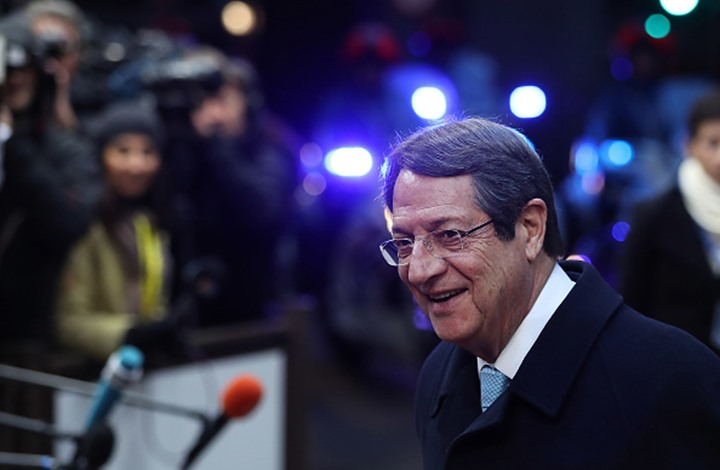 فضيحة لزعيم قبرص اليونانية مرتبطة بالسعودية.. اعتذر لاحقا